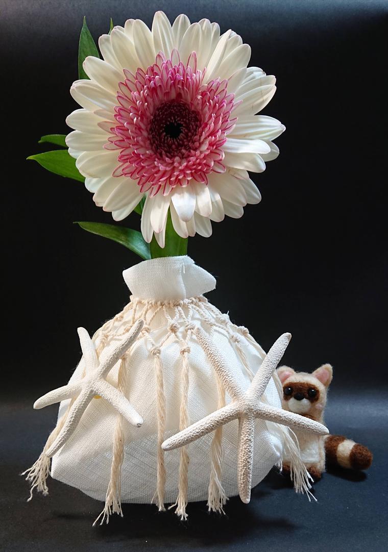 ひとでペットボトル花瓶・花付き