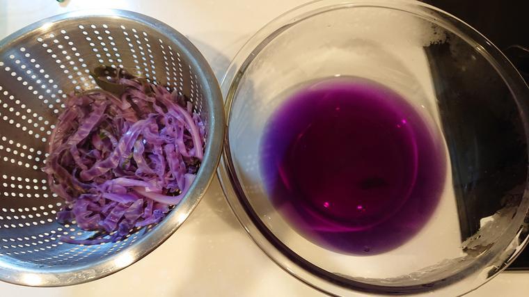 紫キャベツ液をゲット